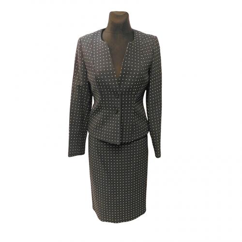 Klasikinis moteriškas kostiumas su pamušalu KRLX4
